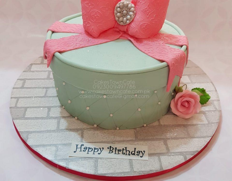 Bow Cake 9