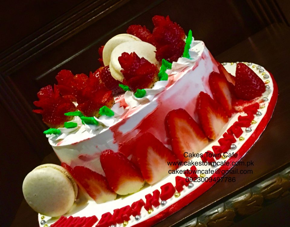 Strawberry Cream Cake 4